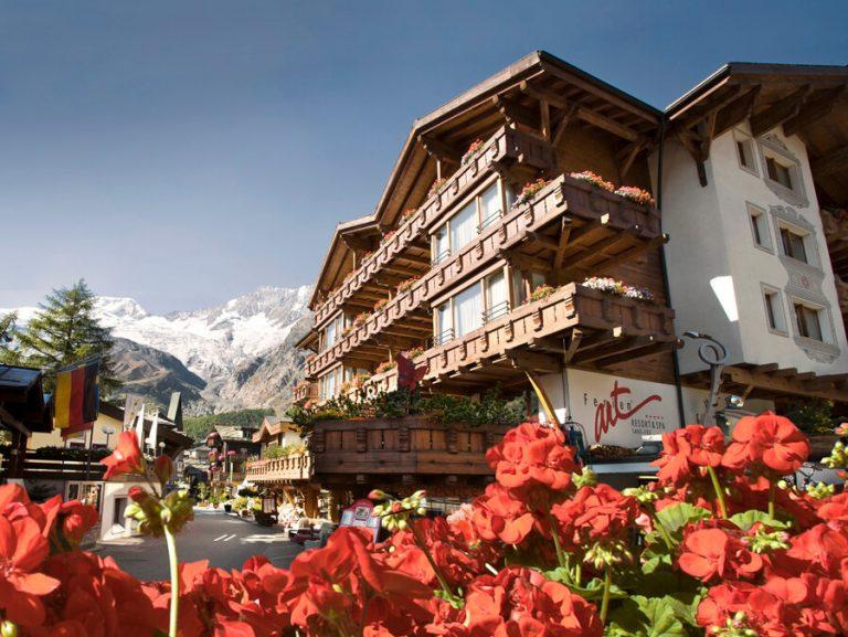 Специальное предложение от Ferienart Resort & Spa 5* на курорте Саас Фее!