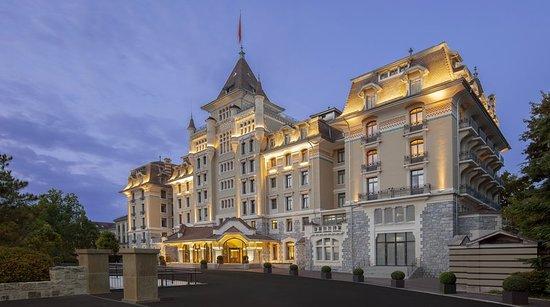 Специальное предложение от культового Royal Savoy Hotel & Spa 5* в Лозанне